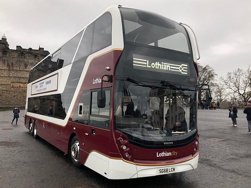800px-Lothian_Buses_Envrio400XLB_1071